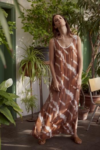 Full summer sunbathing dress
